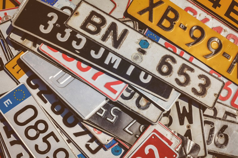Residents of Spain may not drive a car with foreign registration plates for more than 30 days