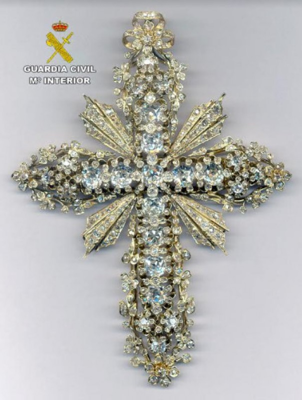 Bejewelled cross returned to the patron of Murcia 41 years after being stolen