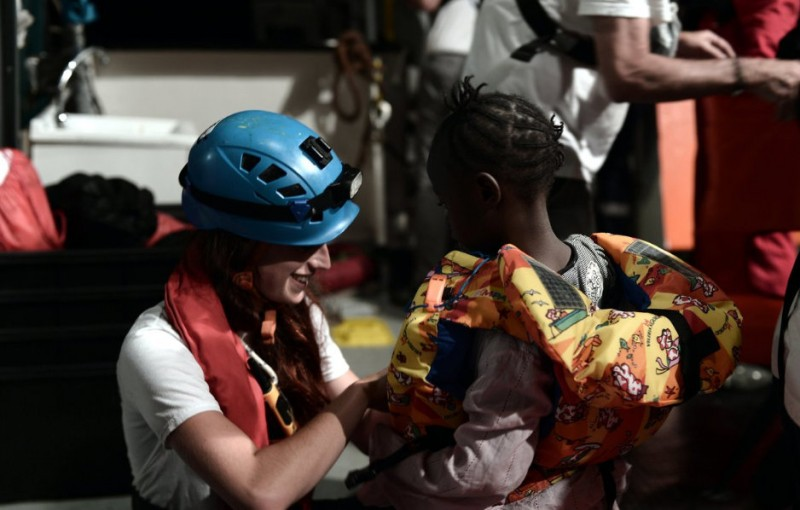 <span style='color:#780948'>ARCHIVED</span> - Spain to the rescue of 629 African immigrants stranded off the coast of Italy