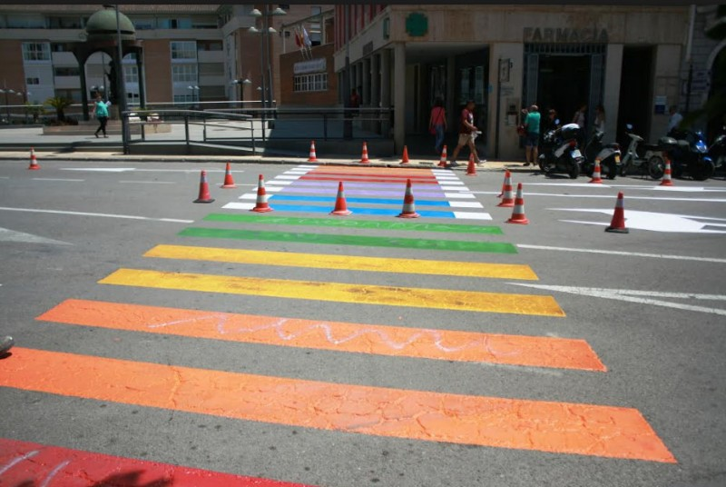<span style='color:#780948'>ARCHIVED</span> - Totana completes 2 out of 5 of its controversial LGTBi rainbow zebra crossings