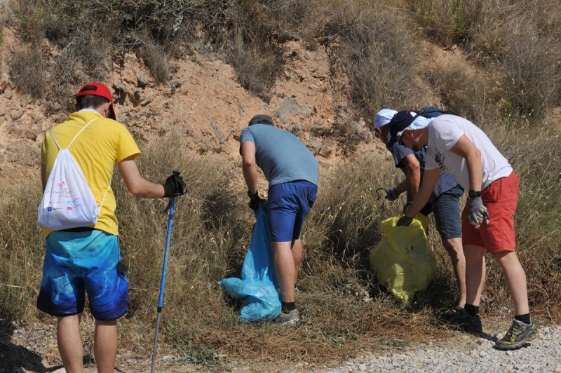 Hundreds join in plastic waste clean-ups across Murcia