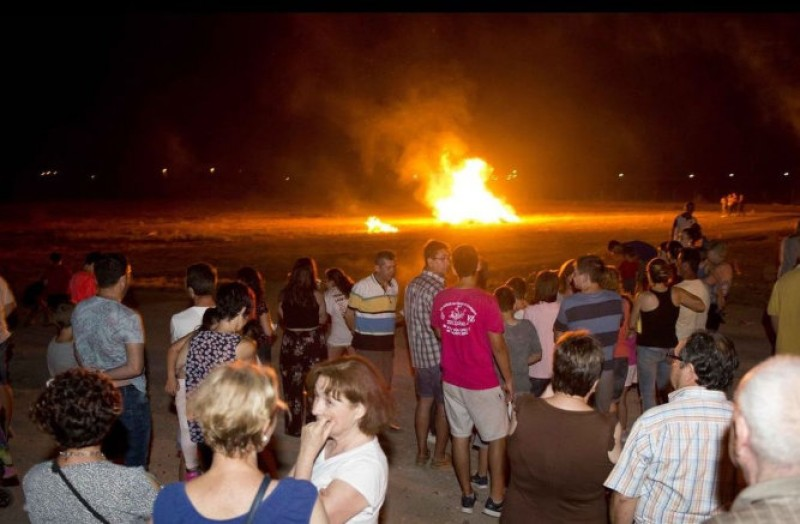 Bonfires, superstition and extra vigilance on Saturday in Cartagena for the night of San Juan