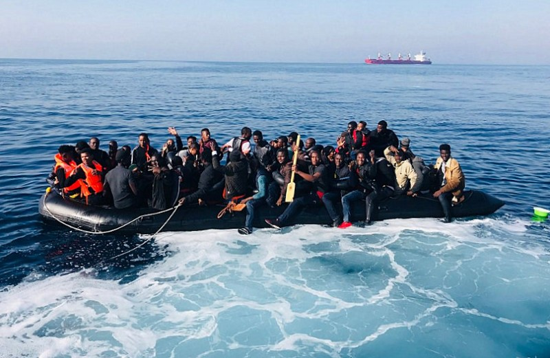 Almost 1,000 migrants intercepted off the coasts of Spain during the weekend