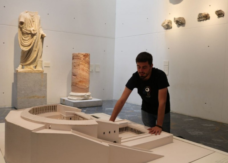 Visits for the blind at the Roman Theatre Museum in Cartagena