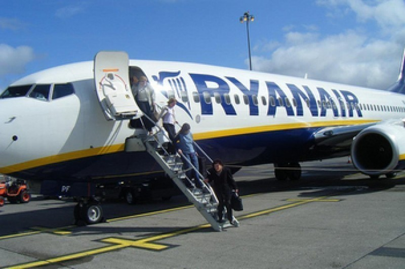 <span style='color:#780948'>ARCHIVED</span> - Ryanair say 75,000 passengers on flights to and from Spain are affected by cabin crew strikes