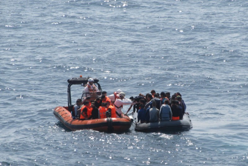 <span style='color:#780948'>ARCHIVED</span> - 1,200 migrants intercepted off the coast of Spain this weekend