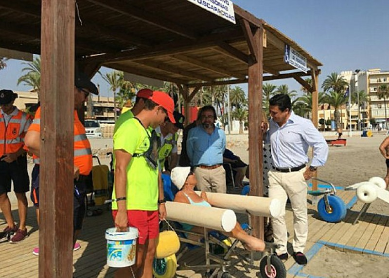 San Javier leads the way in Costa Cálida disabled bathing services