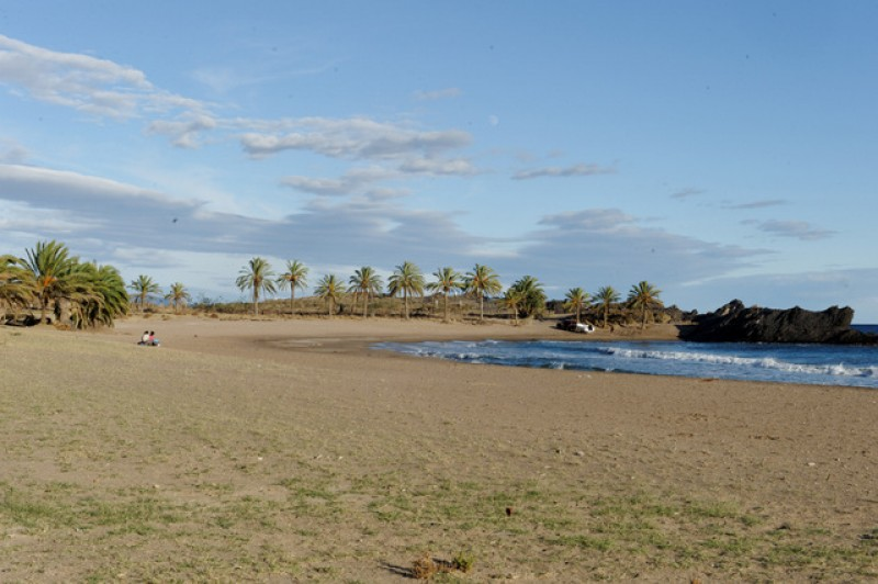 Parking controversy at the beach of Percheles in Mazarrón