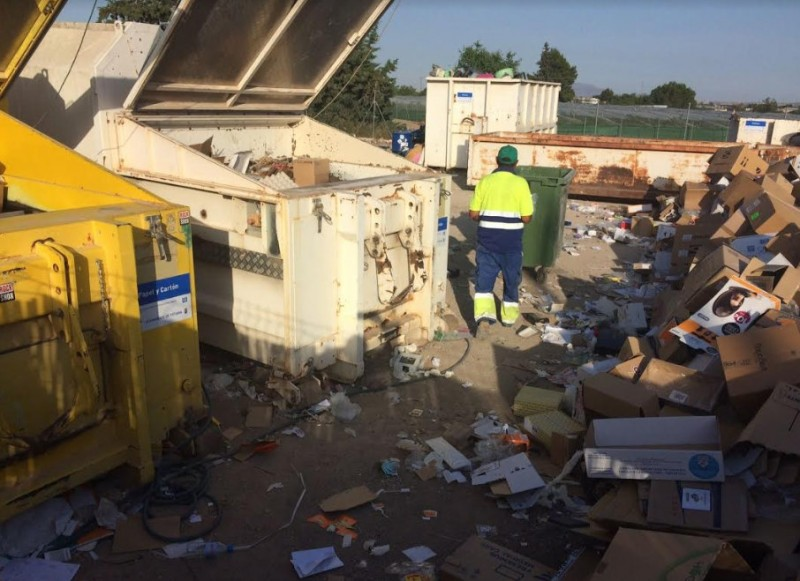 Totana waste collection plant dealt with over 500 tons of rubbish last year