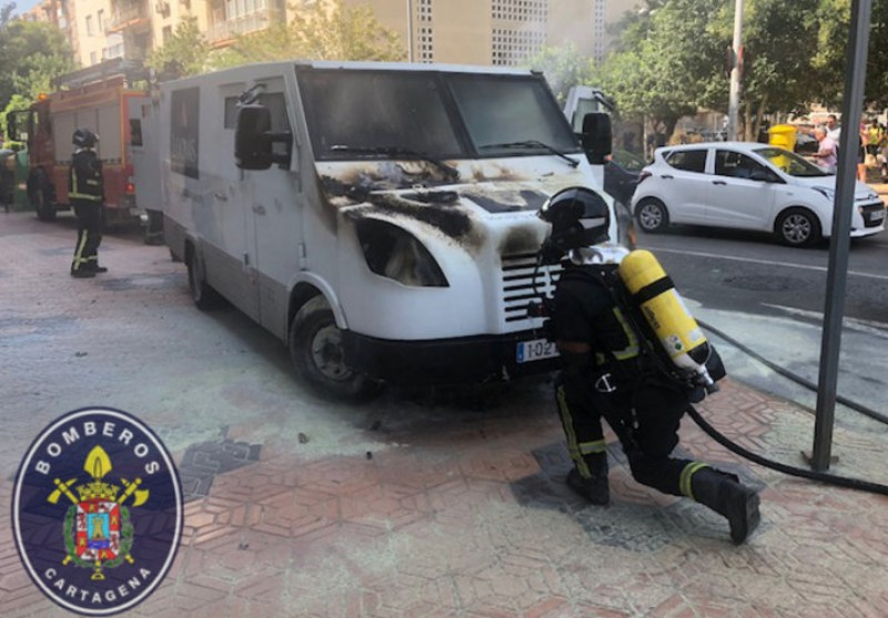 Security van catches fire while on duty in Cartagena