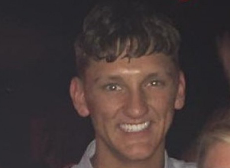 <span style='color:#780948'>ARCHIVED</span> - Briton dies diving onto rocks in Ibiza