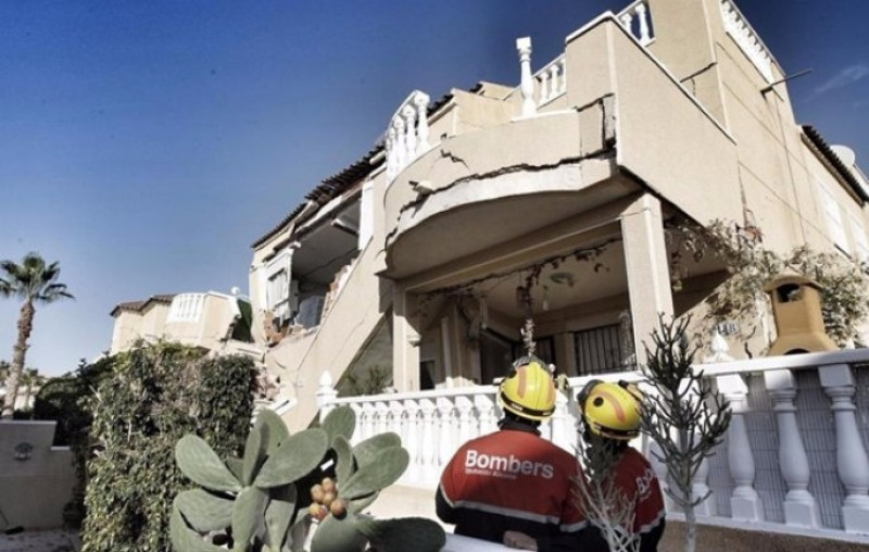 Heavy storms may be to blame for Orihuela Costa house collapse