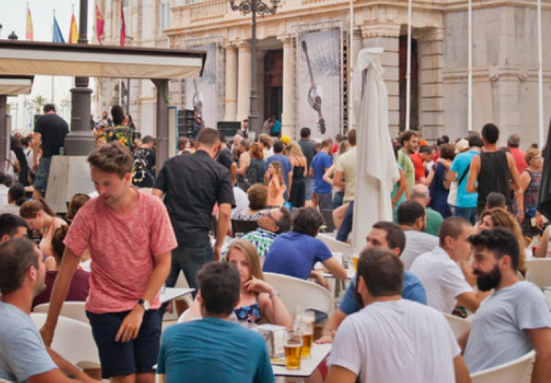 <span style='color:#780948'>ARCHIVED</span> - Foreign tourist numbers steady in Spain, spending up by 2.5 per cent this year
