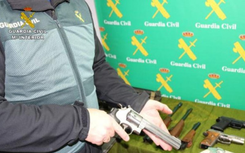 <span style='color:#780948'>ARCHIVED</span> - 322 firearms including machine guns confiscated by the Guardia Civil