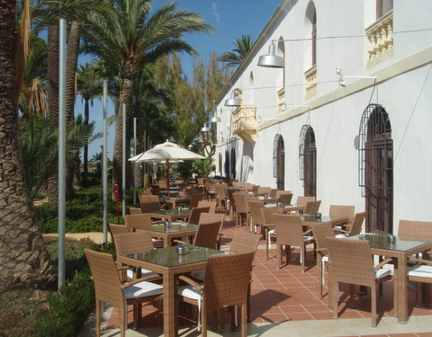 Hacienda Riquelme Golf Resort, bars and restaurants
