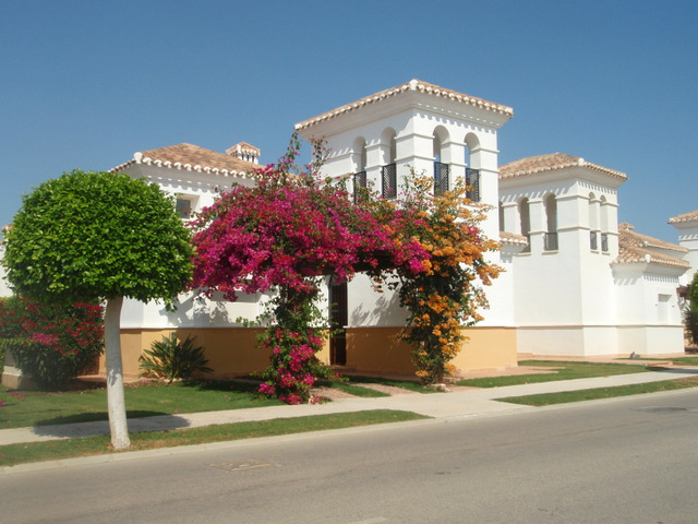 La Torre Golf Resort, Property
