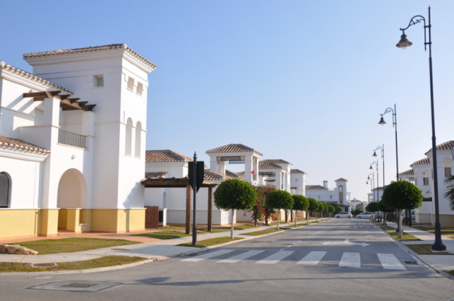 Public transport and infrastructure, La Torre Golf resort