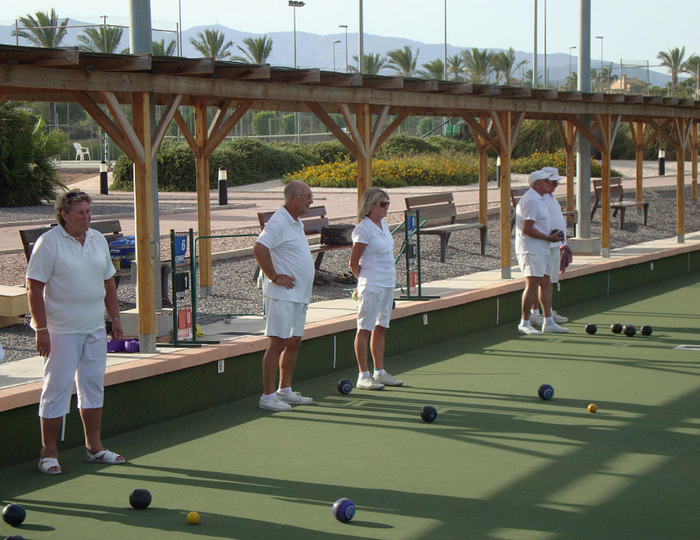 <span style='color:#780948'>ARCHIVED</span> - Mazarron Bowls Club presented with SABA League Trophy