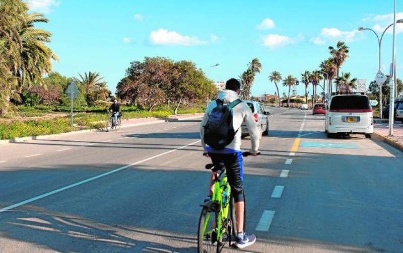 New cycle lane for the main Puerto de Mazarrón-Bolnuevo road