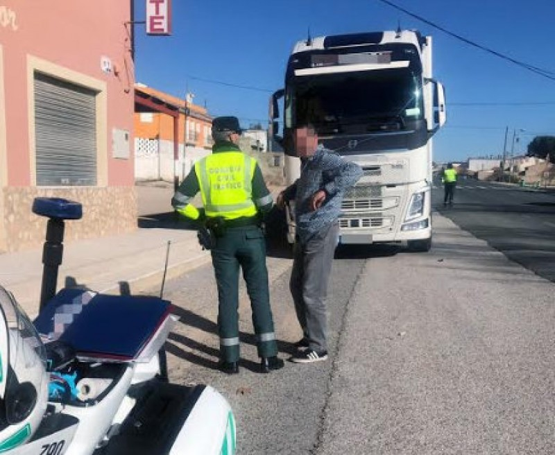 Lorry driver found to be 6 times over the alcohol limit on the N-344 near Jumilla
