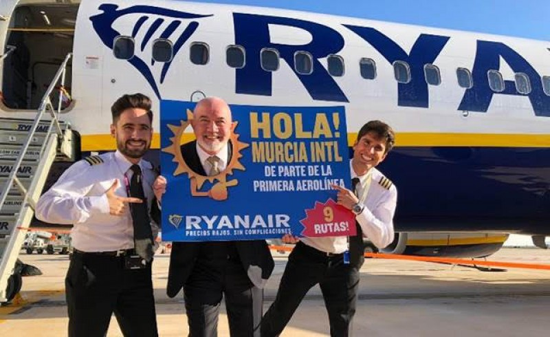 <span style='color:#780948'>ARCHIVED</span> - Ryanair stresses commitment to making a success of Corvera airport