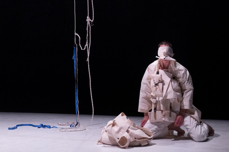 <span style='color:#780948'>ARCHIVED</span> - 12th April, Body on Paper, contemporary dance at the Centro Párraga in Murcia