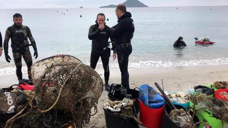 <span style='color:#780948'>ARCHIVED</span> - San Javier divers continue voluntary underwater clean-up in La Manga