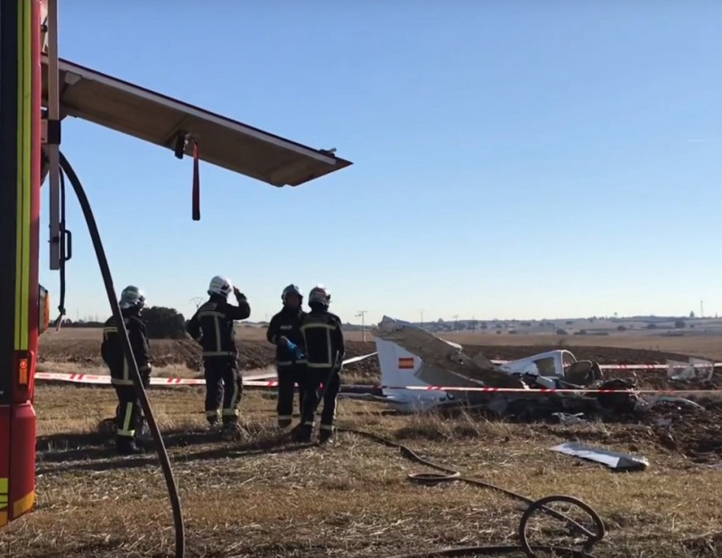 <span style='color:#780948'>ARCHIVED</span> - Two die in light aircraft crash near Madrid