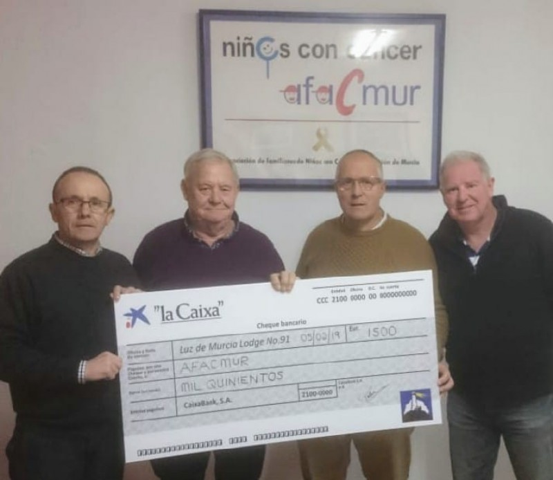 <span style='color:#780948'>ARCHIVED</span> - Murcia Masons present cheque for 1500 euros to AFACMUR