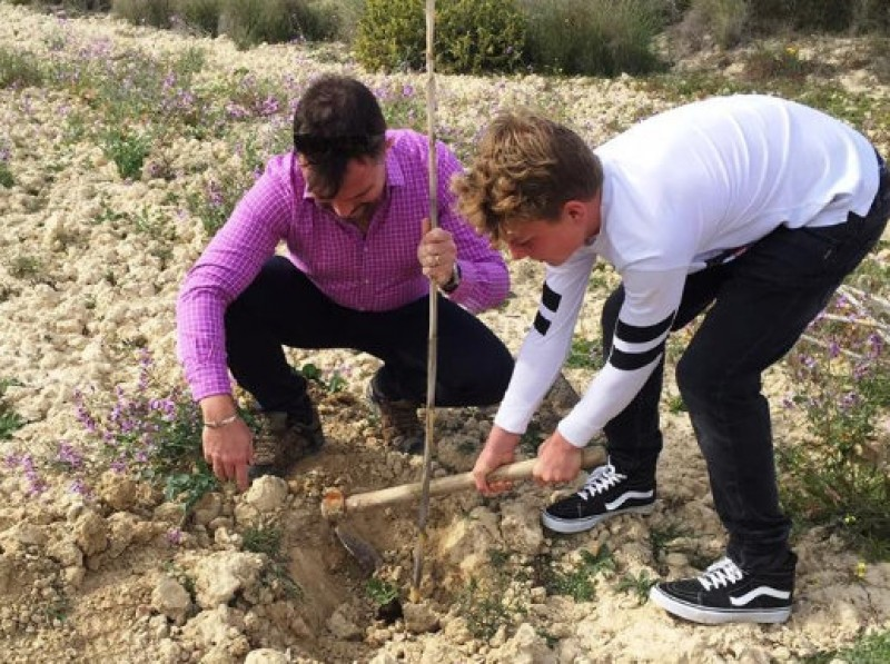 Ecofinca Torrecillas aims to plant 1,000 trees in the Sierra de Carrascoy by Easter