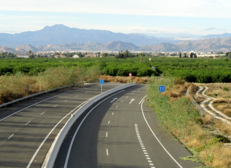 More obstacles for the completion of the San Javier-Santomera motorway which ends in an orange grove