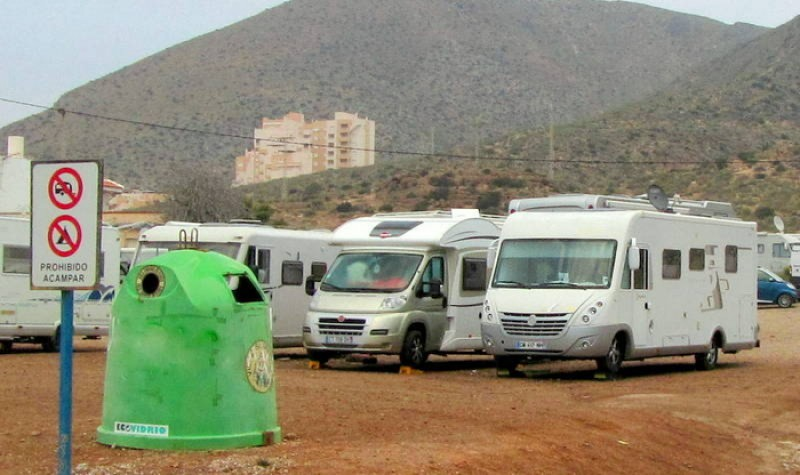 <span style='color:#780948'>ARCHIVED</span> - Fewer camper vans in La Azohía but the authorities pass the buck