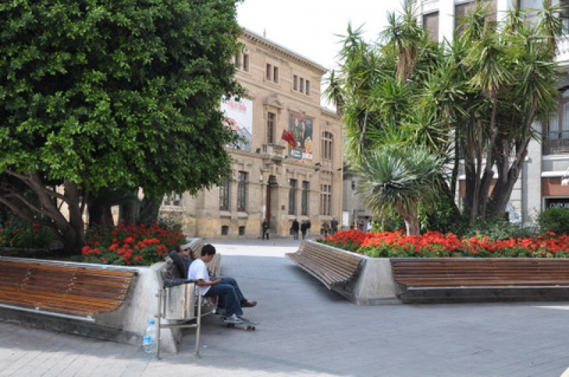 <span style='color:#780948'>ARCHIVED</span> - Thursday 25th April ENGLISH guided tour of classical Murcia City during the spring fiestas