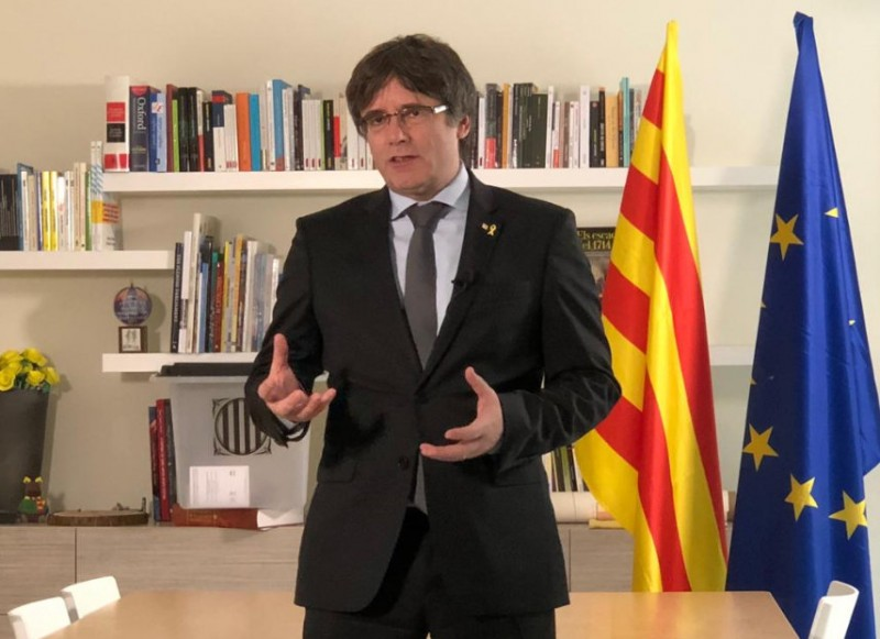 Yellow ribbons and Anne Frank in the spotlight in Catalan separatism dispute