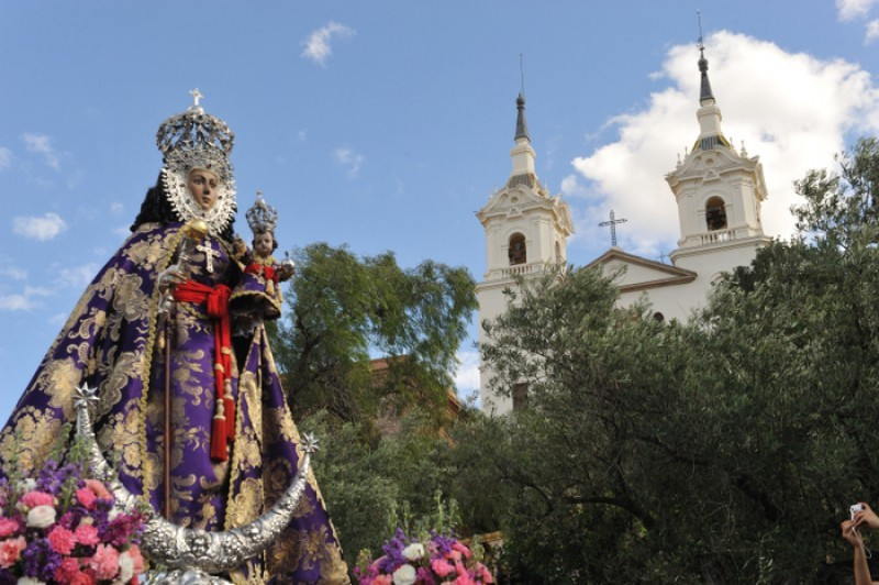 <span style='color:#780948'>ARCHIVED</span> - The Virgen de la Fuensanta comes to the city of Murcia for Easter on Thursday