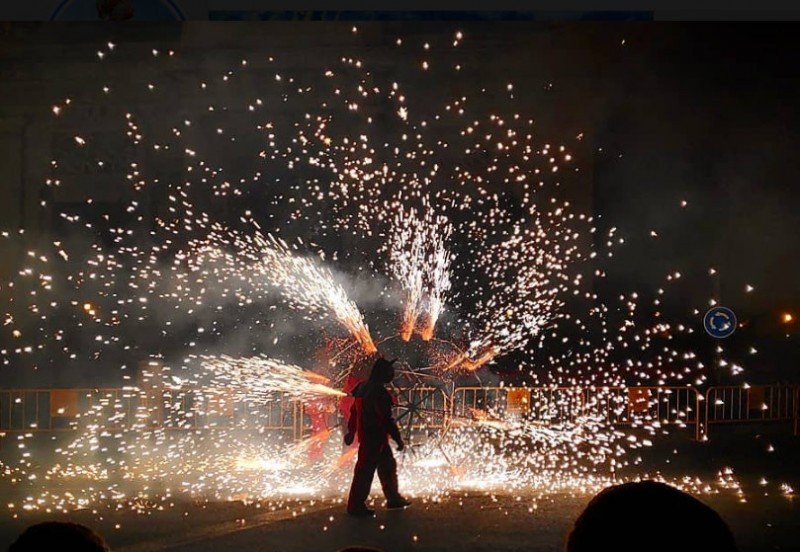 Fire lights up Valencia despite the rain as the Fallas fiestas end for another year