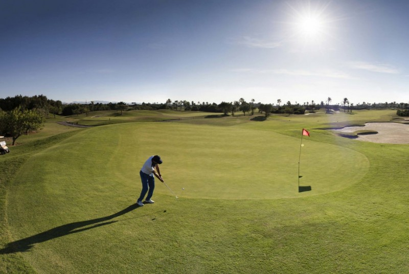 <span style='color:#780948'>ARCHIVED</span> - The Costa Cálida aims to attract 13,700 British golfers this year