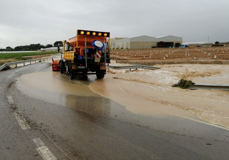 <span style='color:#780948'>ARCHIVED</span> - Up to 200 millimetres of weekend rain in Murcia– joy for farmers, misery for hoteliers!