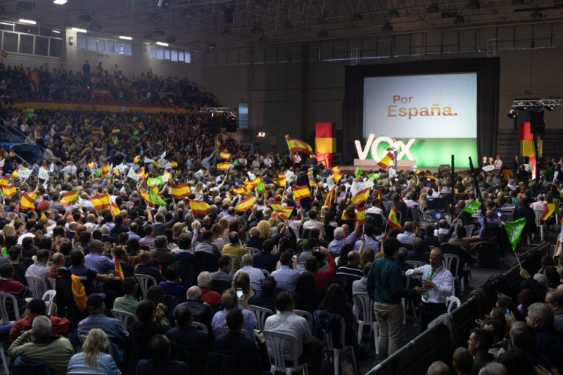 <span style='color:#780948'>ARCHIVED</span> - Radical right-wing party Vox storms the Murcia political scene in general election voting
