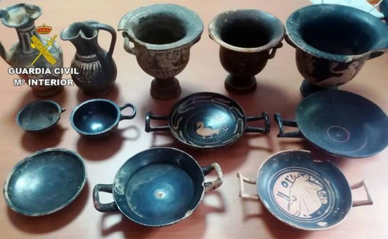 <span style='color:#780948'>ARCHIVED</span> - The Guardia Civil recover thousands of items looted from archaeological sites in Murcia