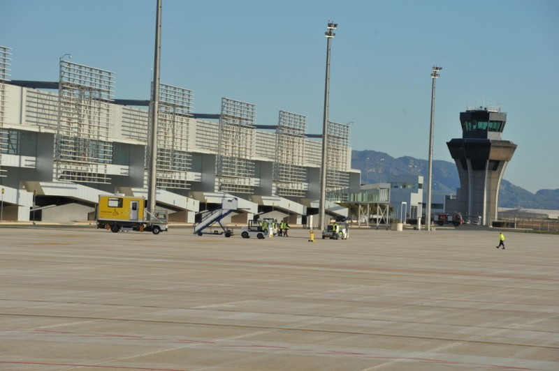 <span style='color:#780948'>ARCHIVED</span> - 20,000 passengers fewer at Corvera airport last month than at San Javier in April 2018