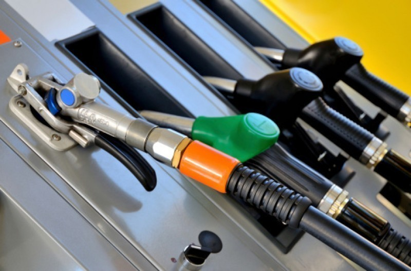 <span style='color:#780948'>ARCHIVED</span> - Petrol and diesel prices steady but still up sharply since January