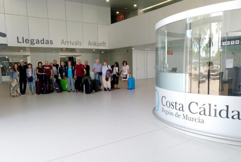 <span style='color:#780948'>ARCHIVED</span> - The first of over 9,000 Czech tourists this year arrive in the Costa Cálida