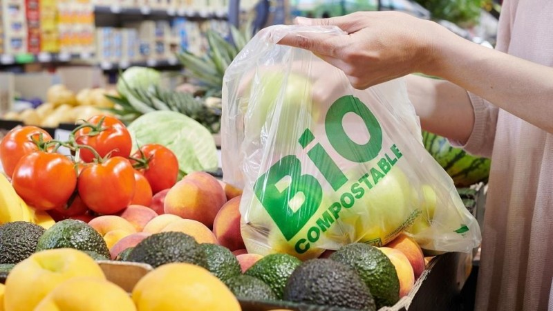 <span style='color:#780948'>ARCHIVED</span> - Lidl will phase out conventional plastic bags for fruit and veg by the end of 2019