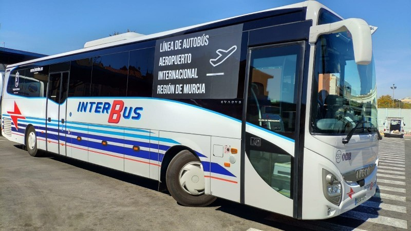 Bus services between Camposol and the Region of Murcia International Airport in Corvera