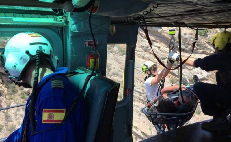 1c146668f ARCHIVED - Walker rescued after three days stranded on the cliffs of  Cartagena I haven't eaten for 3 days, the man shouted to canoeists  following the ...