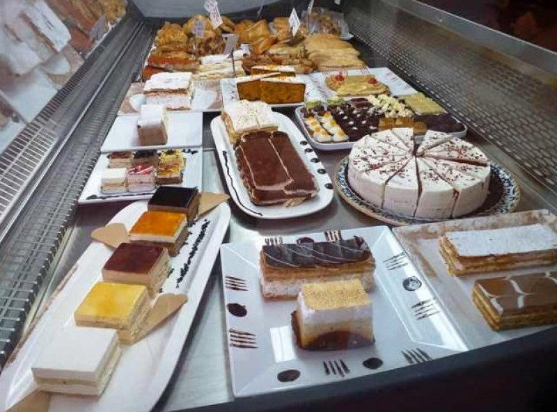 Kimmer Cafetería for cake coffee shakes crepes and pastries in Puerto de Mazarron