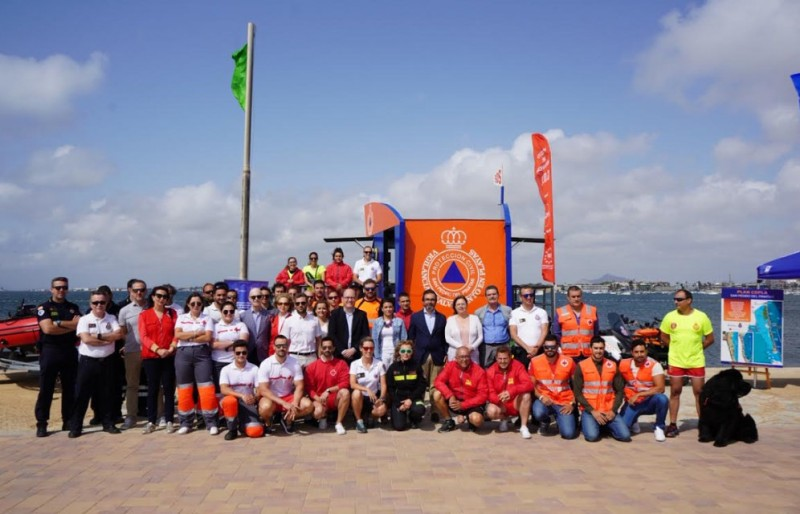 <span style='color:#780948'>ARCHIVED</span> - Summer beach safety campaign under way as summer hots up