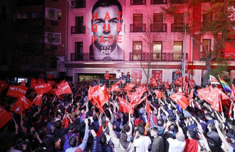 <span style='color:#780948'>ARCHIVED</span> - Poll suggests PSOE victory if a repeat general election is held in Spain