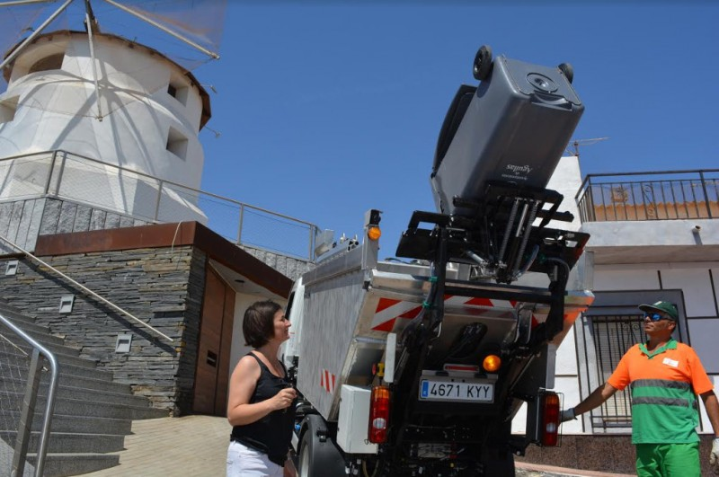 New street cleaning machines unveiled in Águilas